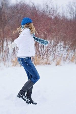 happy-in-snow